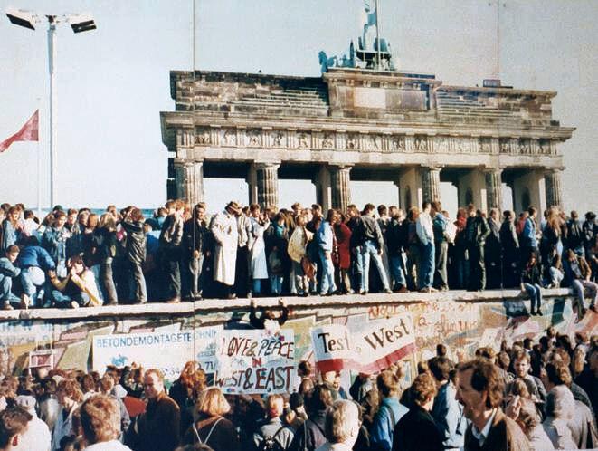BerlinWall_SocialChange